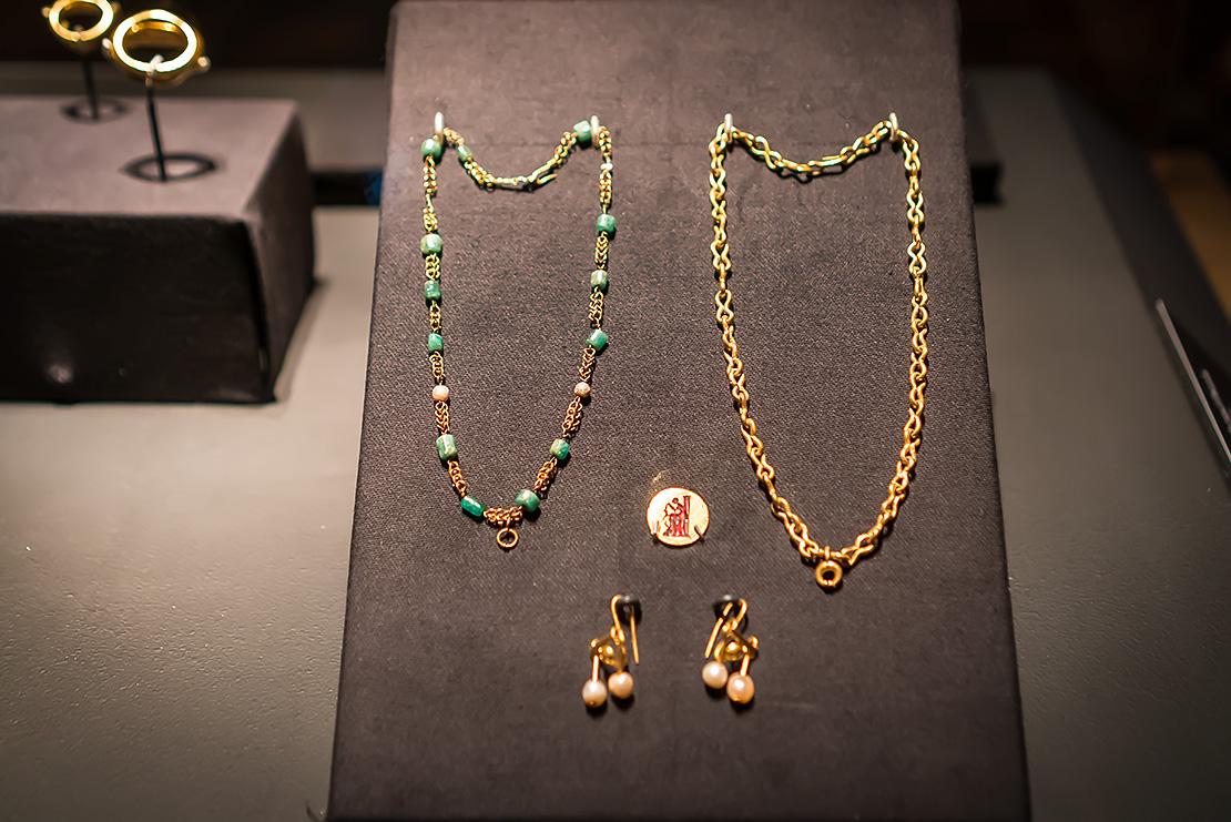 Pompeii jewelry