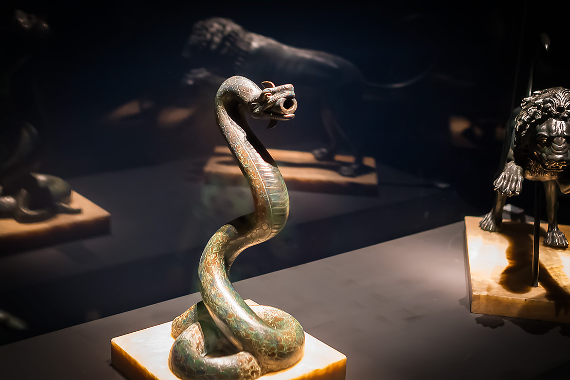 snake statue